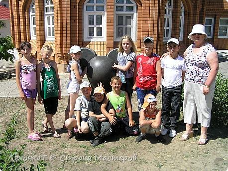 """Вот и настал тот печальный момент, когда мы расстаемся с начальной школой и своей второй""""мамой""""-первой учительницей Валентиной Алексеевной... фото 8"""