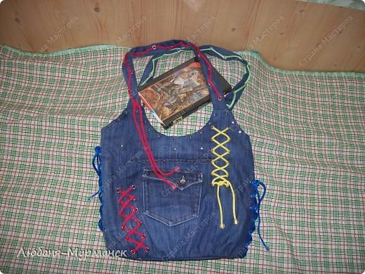 джинса, шитье, пайетки; замочек-молния, жесткое дно, внутри шесть карманов фото 2