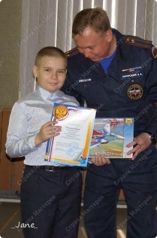 В школе сыну задали сделать поделку на конкурс противопожарной безопасности. Вот, что у нас получилось... фото 2