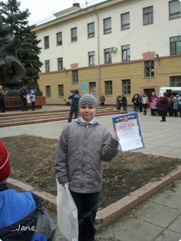 В школе сыну задали сделать поделку на конкурс противопожарной безопасности. Вот, что у нас получилось... фото 3