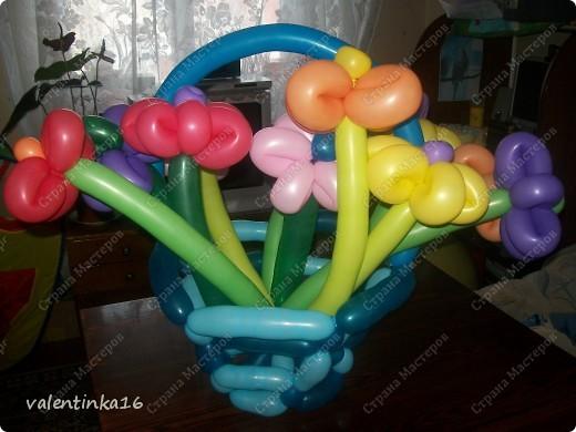 букет с корзинкой из шариков маме на день рождения! фото 2