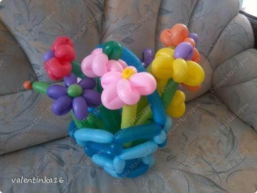 букет с корзинкой из шариков маме на день рождения! фото 3
