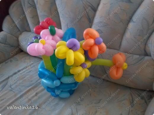 букет с корзинкой из шариков маме на день рождения! фото 1