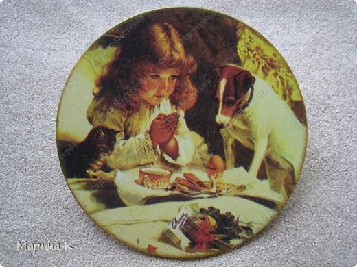 Гипсовое панно круглой формы, акриловый грунт, салфетка, акриловые краски, акриловый глянцевый лак фото 4