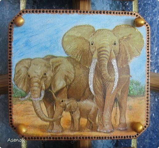 """Панно назвала """"Семья"""" потому что на всех трех частях изображены семьи животных. фото 3"""