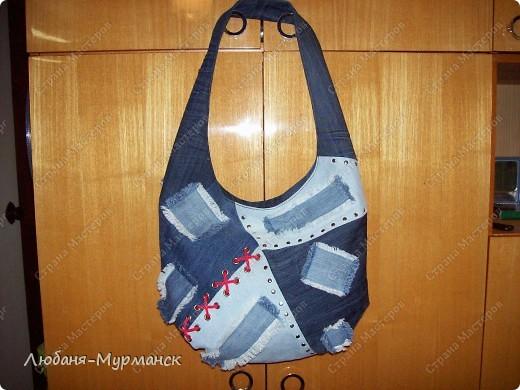 джинса, шитье, пайетки; замочек-молния, жесткое дно, внутри шесть карманов фото 5