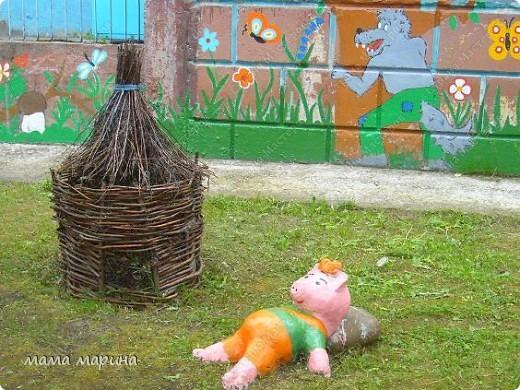 Работаю вот в этом детском саду . Сюда же и пойдёт моя дочка Машенька но это будет осенью, а пока пришли на экскурсию.  фото 8