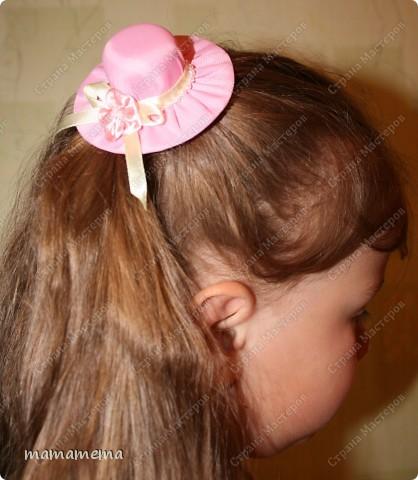 Наконец-то я сделала заколку-шляпку! Давно вынашивала эту идею. В детстве у меня была такая, только пластмассовая, покупная. Но для воплощения не хватало чего-то, но вот наткнулась в нашей стране на игольницы в виде шляпок (в исполнении Ликмы и Irishka-67) и наконец поняла, как я хочу сделать заколку :)) фото 4