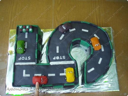 Здравствуйте, уважаемые гости :) Моим двойняшкам исполнилось 5 лет :) И решила я забабахать какой-нибудь необычный тортик :) И пренепременно с мастикой :) Вот что получилось: фото 15