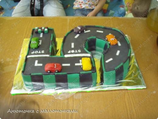 Здравствуйте, уважаемые гости :) Моим двойняшкам исполнилось 5 лет :) И решила я забабахать какой-нибудь необычный тортик :) И пренепременно с мастикой :) Вот что получилось: фото 14