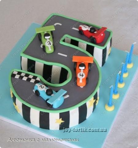 Здравствуйте, уважаемые гости :) Моим двойняшкам исполнилось 5 лет :) И решила я забабахать какой-нибудь необычный тортик :) И пренепременно с мастикой :) Вот что получилось: фото 2
