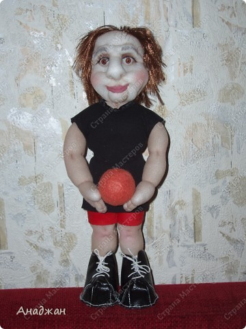 Елена, занимается волейболом, ее номер 9. Рост 33 см. Кроссовочки съемные. фото 7