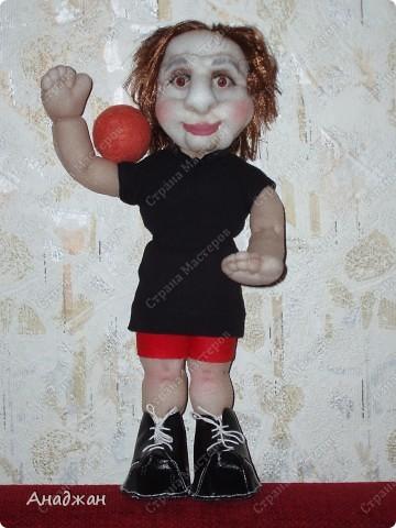 Елена, занимается волейболом, ее номер 9. Рост 33 см. Кроссовочки съемные. фото 10