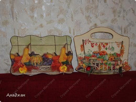 Кухонные панно - вешалки. Основа дерево, салфетки, акриловые краски, лак, декоративные крючки. Подрисовка. фото 1