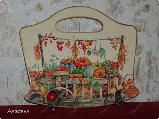 Кухонные панно - вешалки. Основа дерево, салфетки, акриловые краски, лак, декоративные крючки. Подрисовка. фото 2