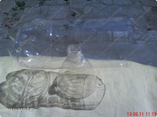 В садик необходима была поделка из бутылок.Вот такую КИСКУ мы сделали! фото 4