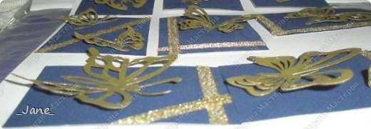 Все вместе. Бабочки вырезаны и покрыты золотой краской. Фон - темно-синяя бархатная бумага. фото 11