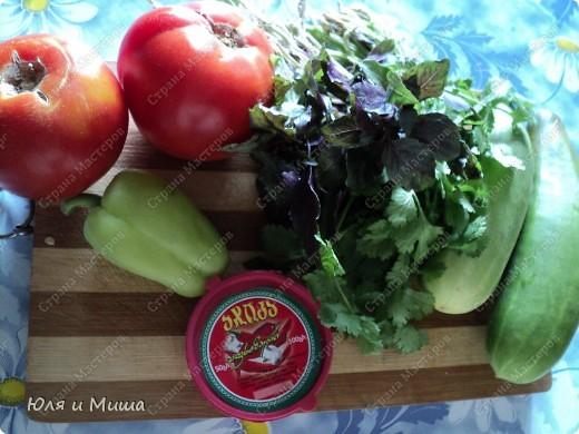 Чтобы такого съесть в летнюю жару, чтобы и сочно и сытно? Предлагаем Вам сделать салат вместе с нами! фото 2