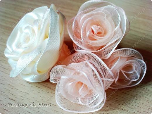 Мои любимые розы. Здесь я каждый лепесток пришивала отдельно фото 2