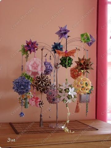 всем доброго утра,дня и ночи! я опять с кусудамами), насобиралось немного Name: Little Roses  Designer: Maria Sinayskaya Parts:30 Paper: 4*8 cm  фото 17