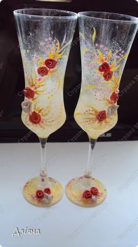 Мои первые бокалы, будем бить на свадьбе)) немного жаль.. фото 3