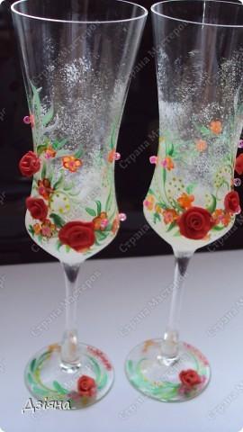 Мои первые бокалы, будем бить на свадьбе)) немного жаль.. фото 1