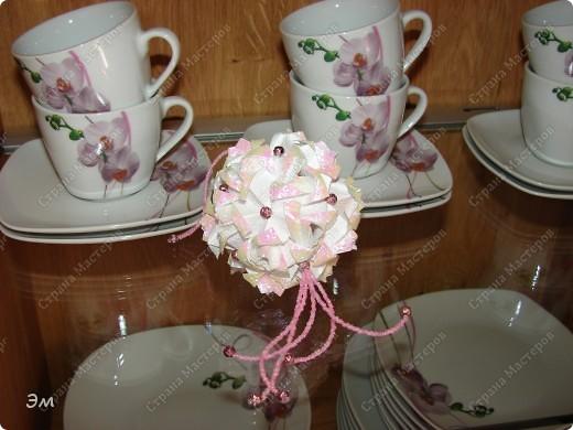 всем доброго утра,дня и ночи! я опять с кусудамами), насобиралось немного Name: Little Roses  Designer: Maria Sinayskaya Parts:30 Paper: 4*8 cm  фото 24