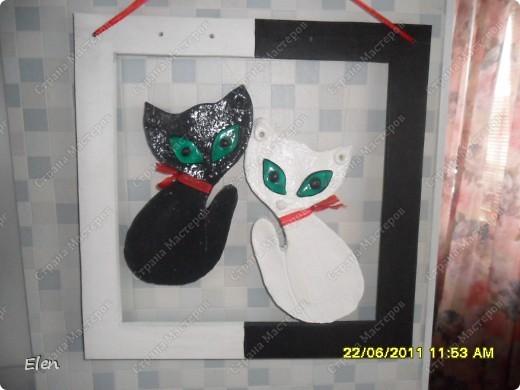сами котики из соленогго теста,рамка пластик,глазки витражные краски