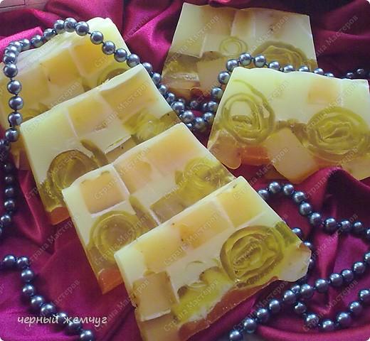 """мыло """"Молочно-медовое с облепихой"""" и с цветками жасмина.  фото 3"""