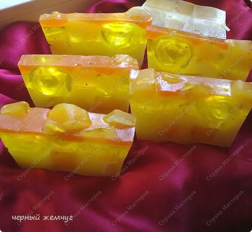 """мыло """"Молочно-медовое с облепихой"""" и с цветками жасмина.  фото 2"""