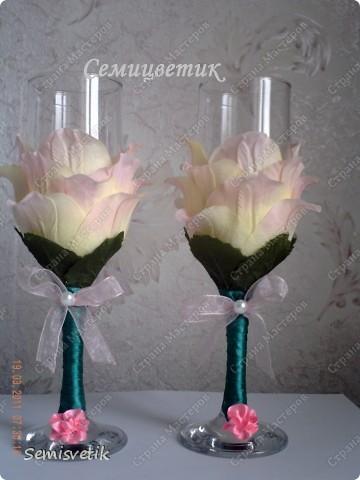 Бокалы из искусственных цветов фото 2