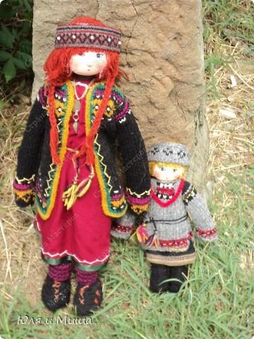 Куклы на фестивале пестреют национальными одеждами. Это хэвсури. фото 1