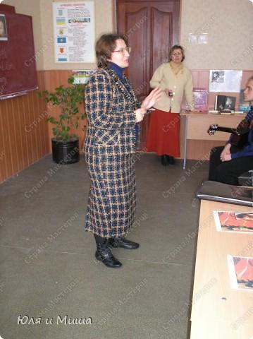 Знакомтесь - 11-А. Сейчас уже студенты, разлетевшиеся по свету. Фотографии из моего школьного архива за 2008 год. Тогда мы отмечали 70-летие Поэта. фото 12