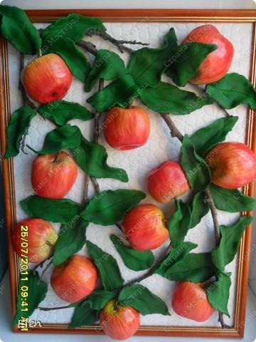 Большое спасибо Марине Архиповой за мк по яблочкам,очень боялась начинать расписывать ядлочки,думала ну точно не получатся,но так они мне нравились фото 1