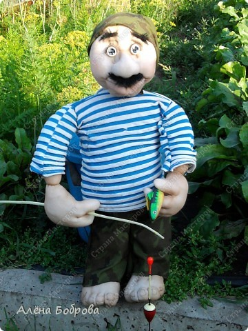 Рыбак дядя Коля ( так назвал его новый хозяин ) фото 1