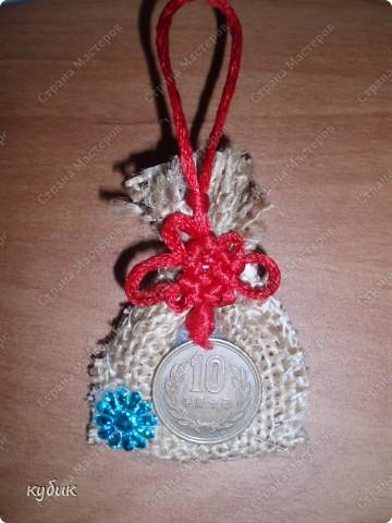 вот такие мешки и магнитики я делала в подарок родным и друзьям:))))) фото 2