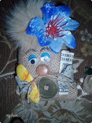 вот такие мешки и магнитики я делала в подарок родным и друзьям:))))) фото 4