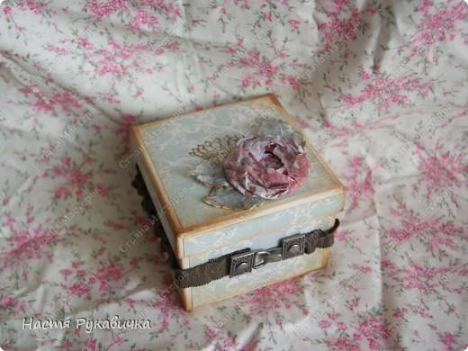 Здравствуйте  мои  дорогие!!!!  Сегодня  я  к  вам  с коробочкой  для  серёжек!  Работа  над  ней  доставала  мне  большое  удовольствие! фото 2