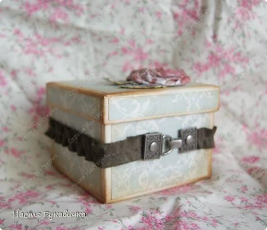 Здравствуйте  мои  дорогие!!!!  Сегодня  я  к  вам  с коробочкой  для  серёжек!  Работа  над  ней  доставала  мне  большое  удовольствие! фото 3