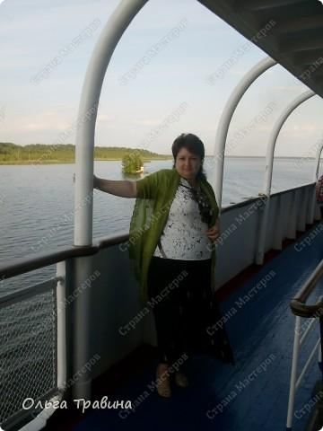Продолжаю свой фоторепортаж о круизе, первую часть можно посмотреть здесь http://stranamasterov.ru/node/221503. Это Онежское озеро, добрались мы до о. Кижи, на котором располагается музей деревянного зодчества. фото 12
