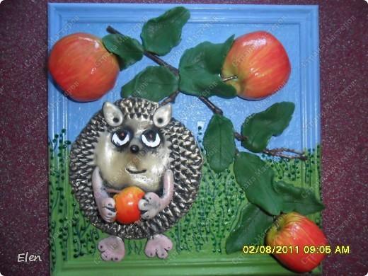 Соседка попросила сделать ежика и яблоки в одной картинке,яблочки остались от прежнеих картинок,а вот ежика сделала из хф фото 1