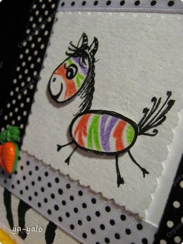 Эта цветная зебра получилась после посещения блога Лена-Лена http://stranamasterov.ru/node/223269#comment-2114243 , где я увидела в комментариях картинку, которую выставила  Kaminska_Maya.  Она то меня и вдохновила перекрасить зебру. А ведь вчера она была черно-белой))))  фото 5