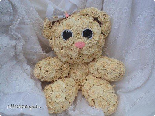 Мишутка родилась ещё до зайчика http://stranamasterov.ru/node/223559 ,не могла сделать глазки.Её зовут Милашка или просто Мила.Это милейшее создание будет подарено маме на юбилей. Объемную работу в квиллинге выполняла впервые. фото 3