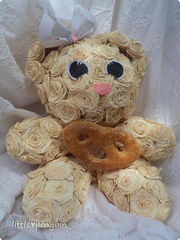 Мишутка родилась ещё до зайчика http://stranamasterov.ru/node/223559 ,не могла сделать глазки.Её зовут Милашка или просто Мила.Это милейшее создание будет подарено маме на юбилей. Объемную работу в квиллинге выполняла впервые. фото 5