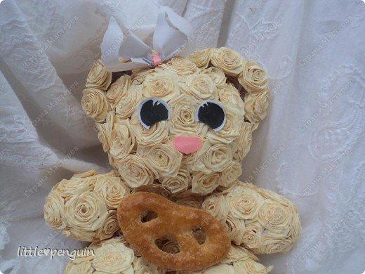 Мишутка родилась ещё до зайчика http://stranamasterov.ru/node/223559 ,не могла сделать глазки.Её зовут Милашка или просто Мила.Это милейшее создание будет подарено маме на юбилей. Объемную работу в квиллинге выполняла впервые. фото 6