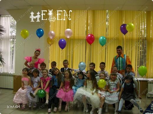 С этими шарами дети танцевали финальный танец фото 6