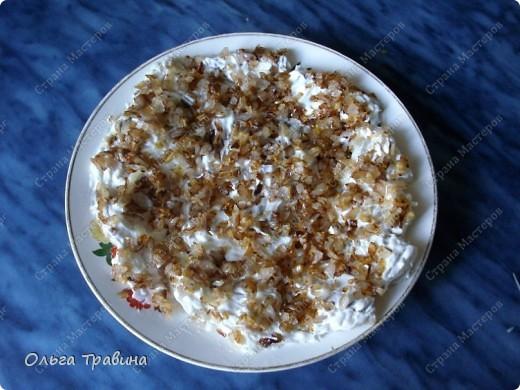 Блюдо готовится быстро и получается вкусным. Для приготовления требуется рыба (последнее время я использую филе тилапии), майонез, жареный репчатый лук, вареное яйцо. фото 1