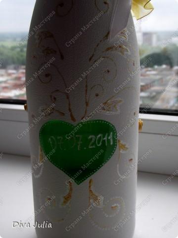 Бокалы пробные, с клеем не сложилось, видны следы (оставила их у себя, а бутылка была подарена на день рождение) фото 4