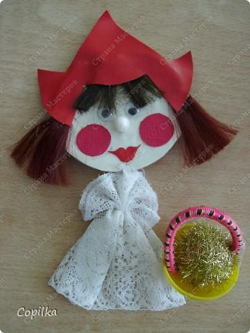 """Мы с подругой к прошлому учебному году делали кукольный театр. Сказка """" Красная шапочка"""" ( ну и что,что на будённовца похожа,зато ОНА делала , а я - только осуществляла общее руководство!) фото 1"""