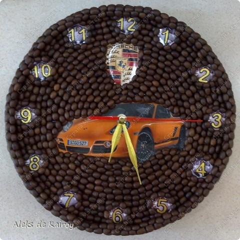 Я занимаюсь изготовлением настенных часов из кофе,вот оцените, что получилось)))   Кофейные часики,D=25см,кофе премиум сорта,золотой акрил,цифр-объёмный контур,пластик фото 4